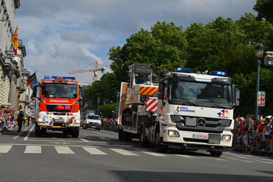 Brandweer en Civiele Bescherming nemen samen deel aan het defilé